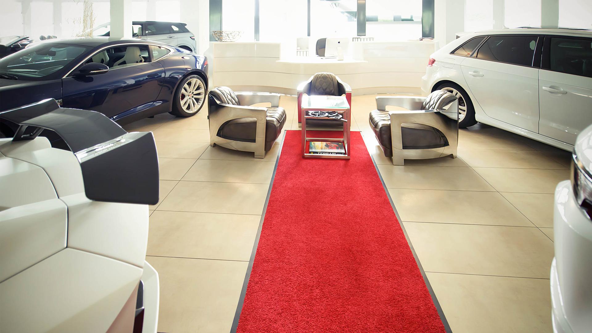 Luxusfahrzeuge in Wollerau